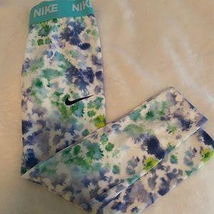 Nike Dri-Fit Girls Leggings, Size 6, New-No Tags
